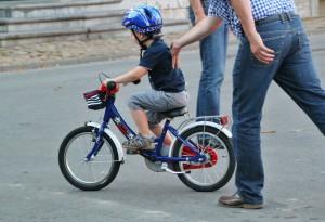 Kind fiets child-558798_1280 pixabay 20200702